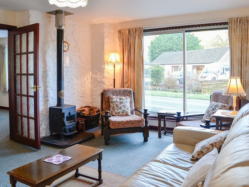 Old Smithy Cottage, holiday rental in Thornhill