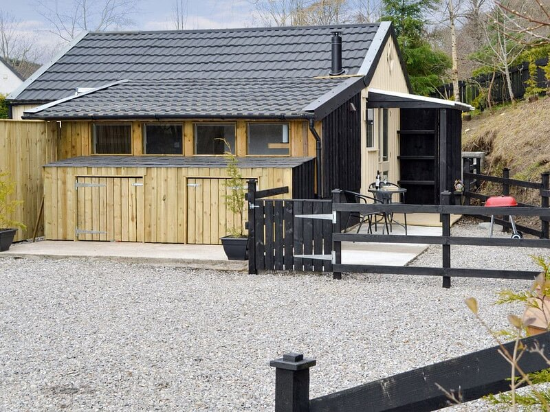 Heron's Rest Cottage - UK5768, holiday rental in Abriachan