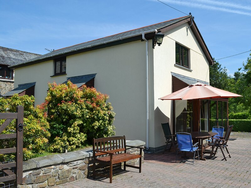 SWALLOWS NEST - W43165, holiday rental in Lydford