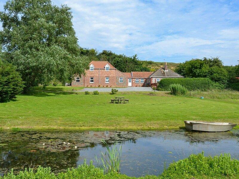 Dairy Farm Cottage, location de vacances à Runham