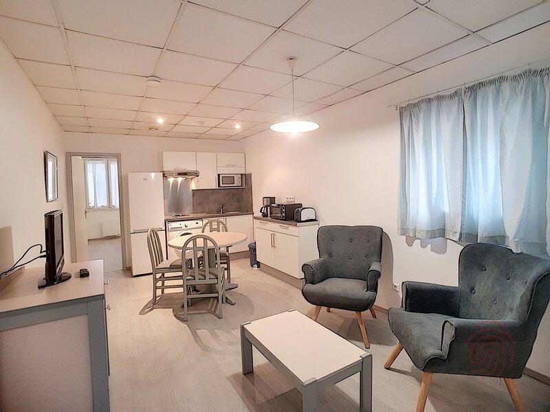 MANON, 16 Ave Alphonse Daudet, LAMALOU, location de vacances à Lamalou-les-Bains