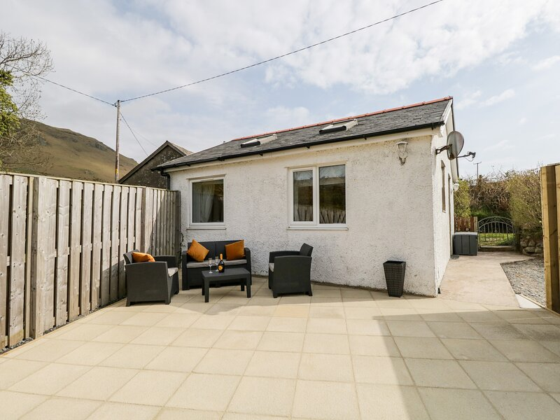HICKORY COTTAGE, all ground floor, open plan layout, in Silecroft, Ref. 962708, holiday rental in Kirksanton