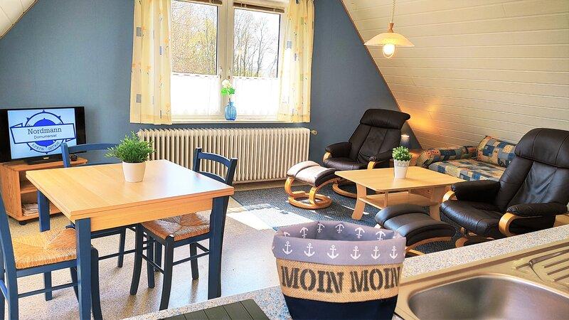 Gästehaus Zur alten Post 'Landhaus Dachgeschoss', holiday rental in Langeoog