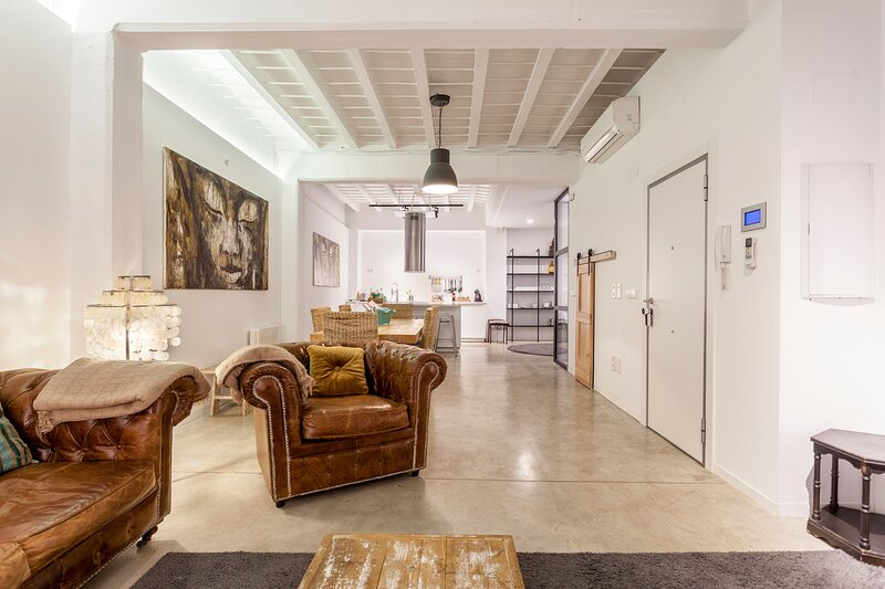 Modern ground floor apartment in the center of Valencia, location de vacances à Alzira