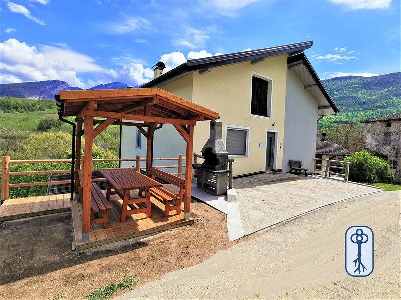 Holiday Home in typical Maso, between nature and tradition, location de vacances à Cortaccia Sulla Strada Del Vino