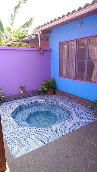 Hostal la casa de naty by Ecuapolsky, holiday rental in Tonsupa