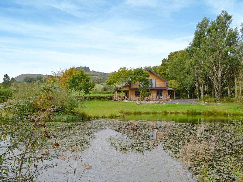 Lakeside Lodge, location de vacances à St Harmon