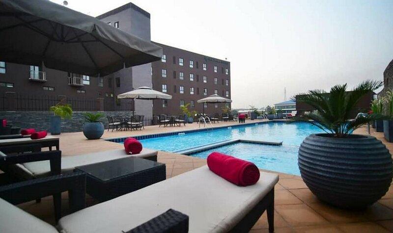 Oak Plaza Suites-2bd Apartment, casa vacanza a Kumasi