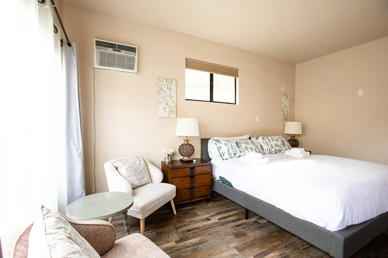 * Marbella Lane - Cozy Studio | Rowland Heights, holiday rental in Whittier