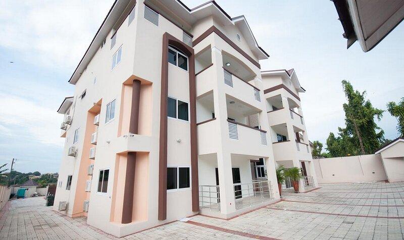 RockVille Place 3bd-apartments, casa vacanza a Kumasi