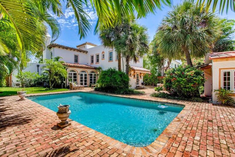 Villa Blanca | 4bd/3.5ba | Private Pool & Parking, casa vacanza a Manalapan