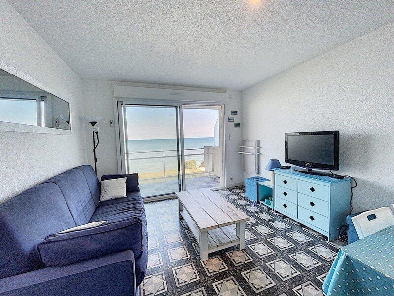 En front de mer, dans résidence, appartement avec balcon, holiday rental in Jullouville