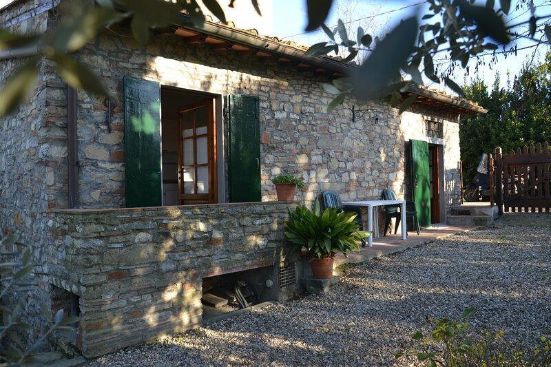 Casa di campagna sulle colline del Chianti fiorentino, holiday rental in Osteria Nuova
