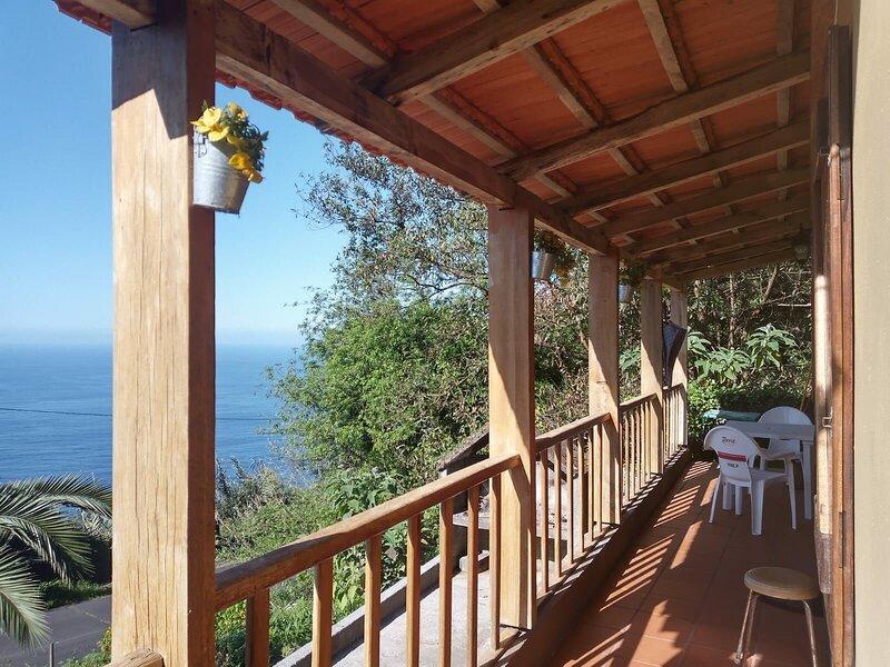 Amazing house with sea view, location de vacances à Boaventura