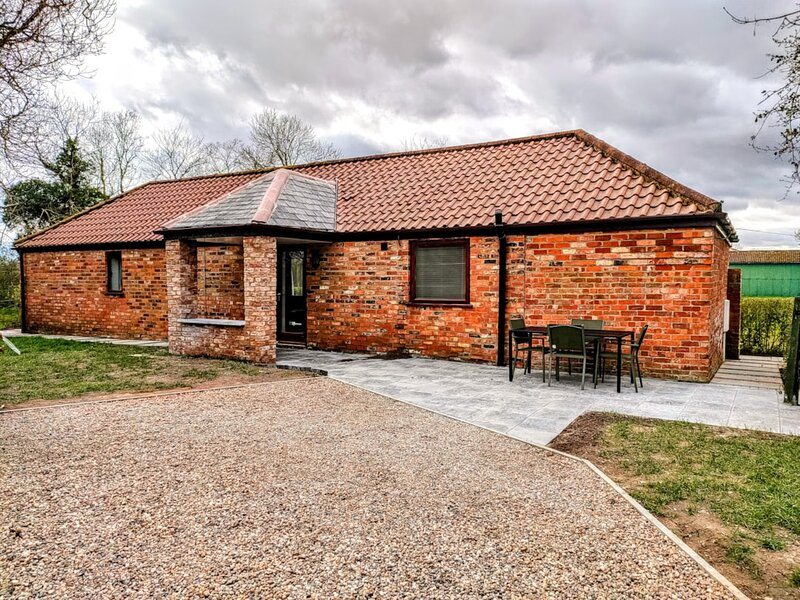 Owl Lodge, Covenham Holiday Lodges, holiday rental in North Somercotes