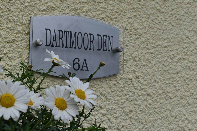 The Dartmoor Den - perfect location for walking the moors and exploring Devon, location de vacances à Peter Tavy