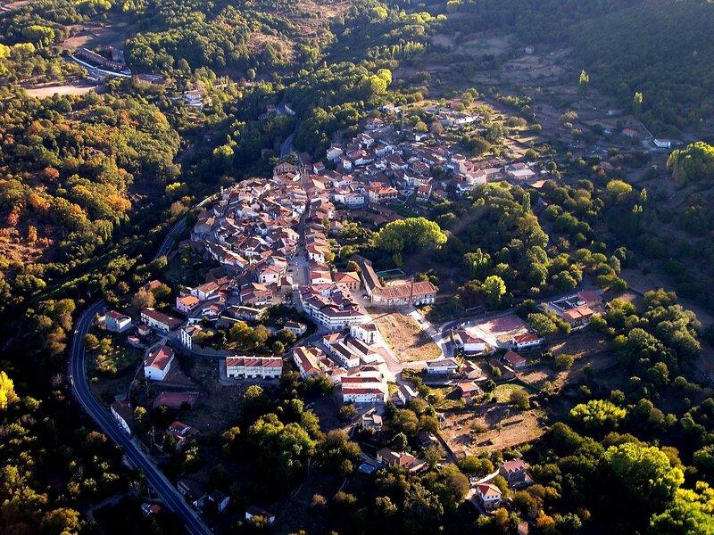 Casa vacacional el bosque de los Romanos, holiday rental in Banos de Montemayor