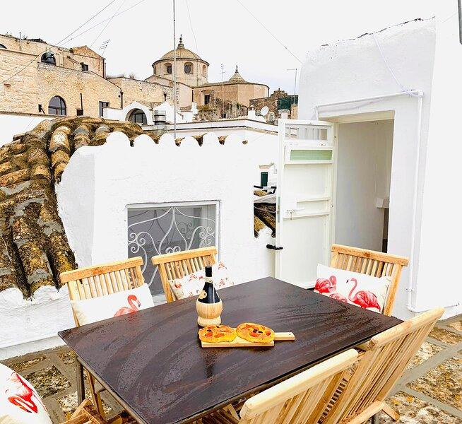Brunettis Palazzo, gehobenes Stadthaus mit Dachterasse inmitten der Altstadt, casa vacanza a Ceglie Messapica