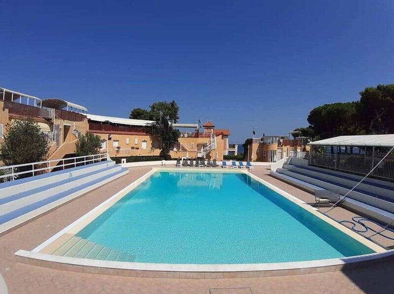 Monflat Mondello,Casa Vacanze in Residence con Piscina e accesso privato al mare, holiday rental in Mondello