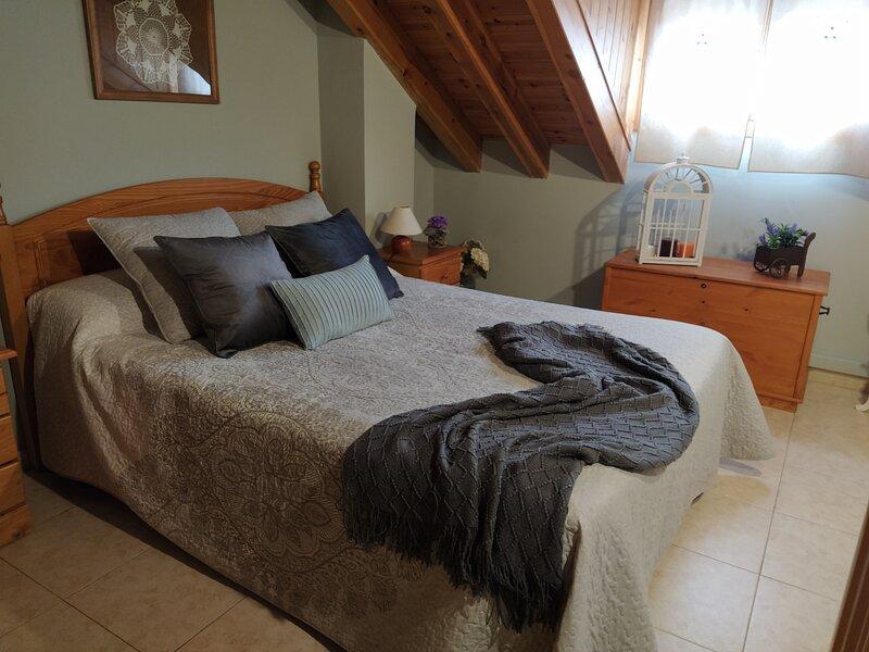 Apartamento de 4 dormitorios e, alquiler vacacional en Espot