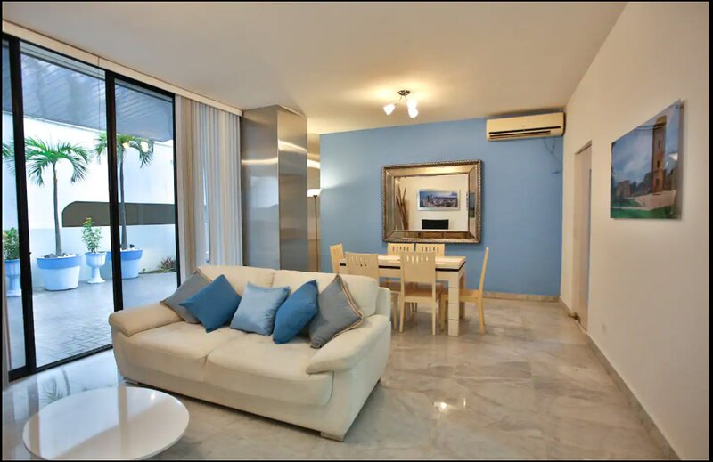 Panama, Heart of the City with Large Private Balcony, holiday rental in Las Cumbres
