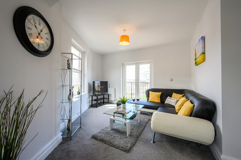 The Knap by Tŷ SA - Waterfront Views, holiday rental in Barry
