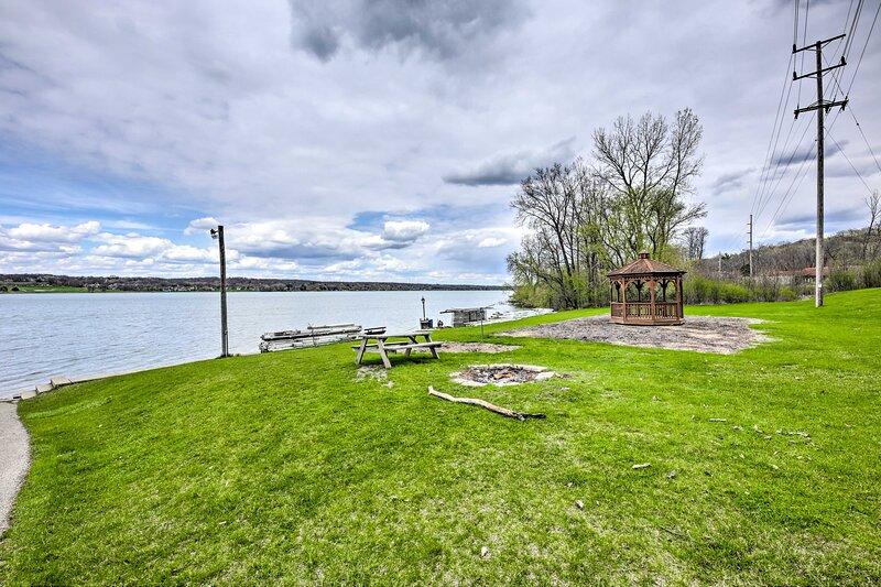 Lake Como Access