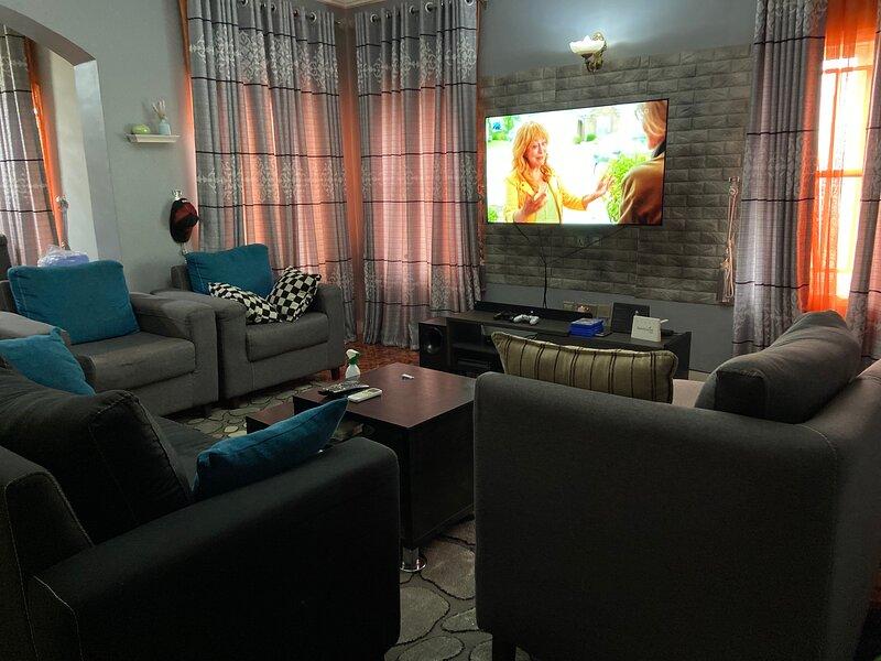 Ruby Private Room in Maitama, alquiler de vacaciones en Abuja