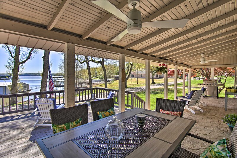 NEW! Idyllic Family Getaway w/ Grand Lake Access!, holiday rental in Bernice