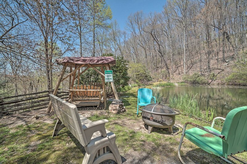 NEW! 'Magic Mountain Pond' Cottage: 1 Mi to Hiking, holiday rental in Sky Valley