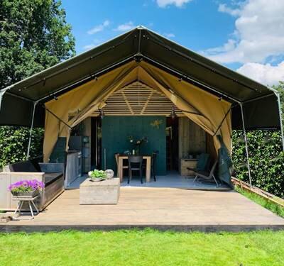 Glamping vakantie luxe Safari tent Lodge met badkamer Veluwe, vacation rental in Voorthuizen
