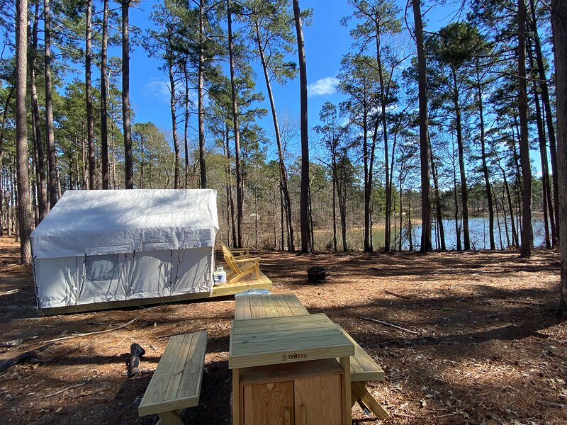 Tentrr State Park Site - South Toledo Bend State Park Site G, vacation rental in Negreet