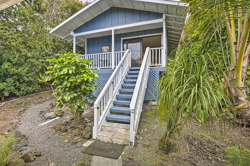 Kona Cottage w/Lanai & Ocean Views on Coffee Farm!, aluguéis de temporada em Holualoa