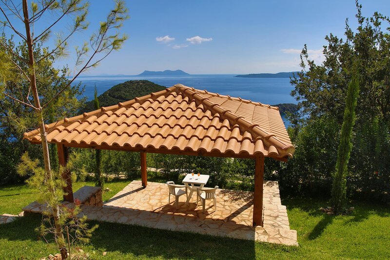 Villa Columba - Luxury Private Villa in Modern Residence, holiday rental in Poros