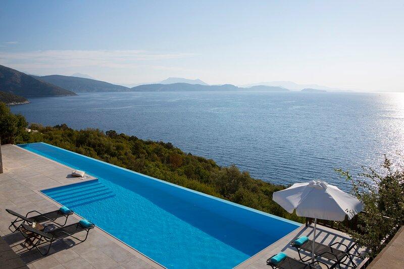 Villa Massalia - Infinity Lap Pool with Majestic Seaview, holiday rental in Sivota