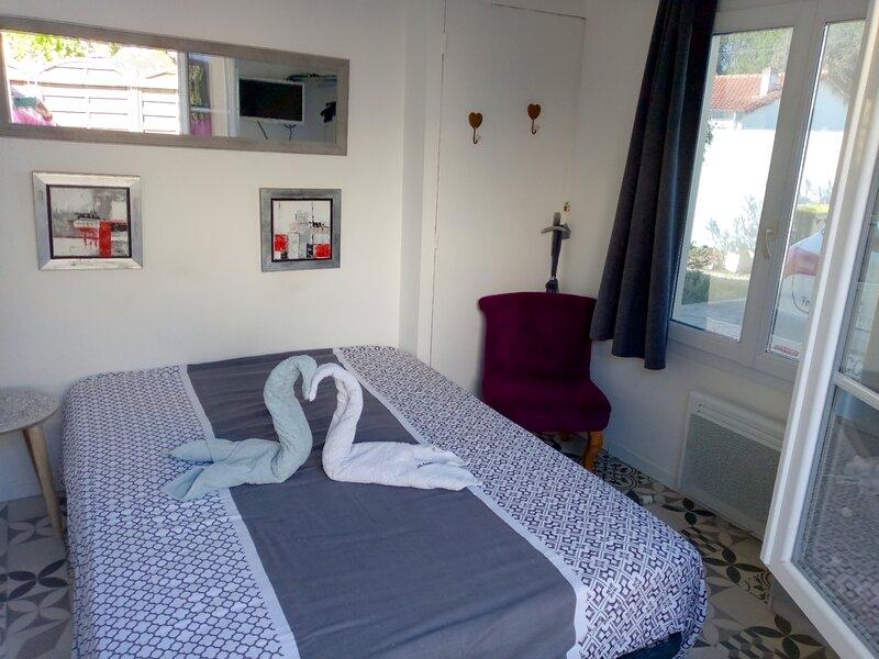 STUDIO COTE JARDIN, vacation rental in l'Eguille sur Seudre