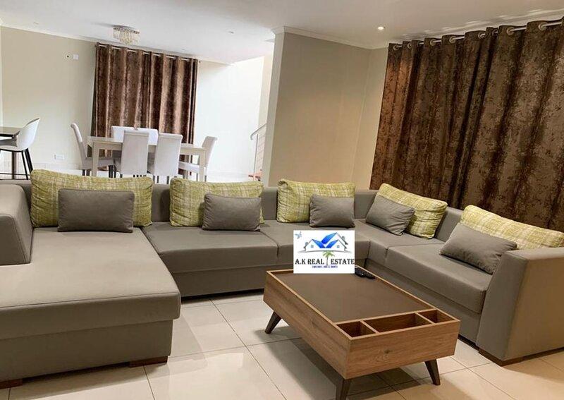 Exclusive apartment in Handsworth - 4 bedrooms, vacation rental in Lusaka