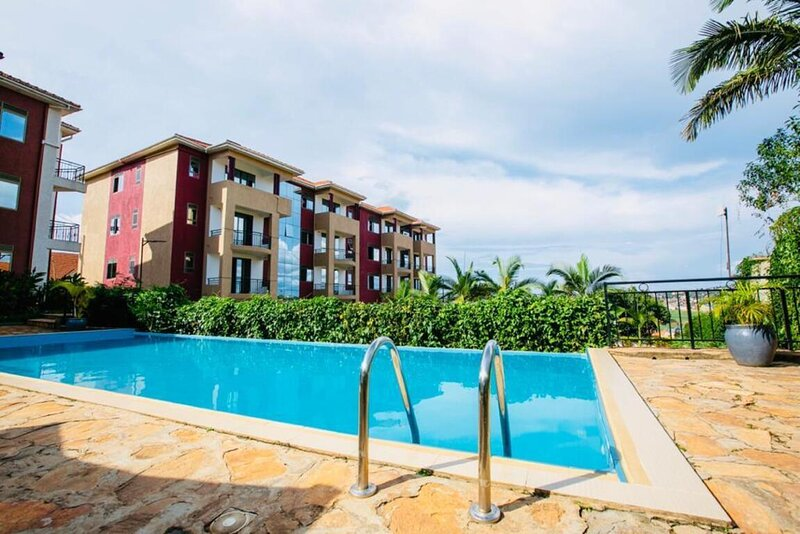 Deluxe 2-Bed Apartment with Swimming Pool, alquiler vacacional en Munyonyo