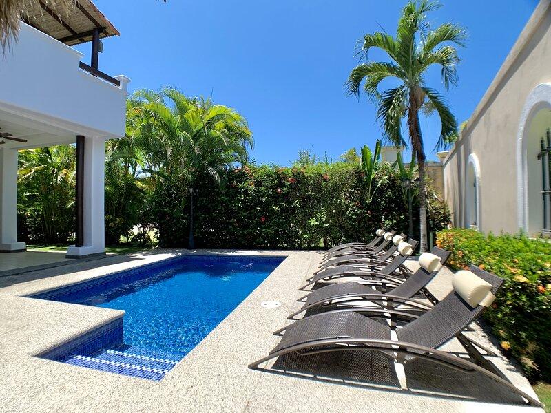 HERMOSA PALMS #11, holiday rental in Carara