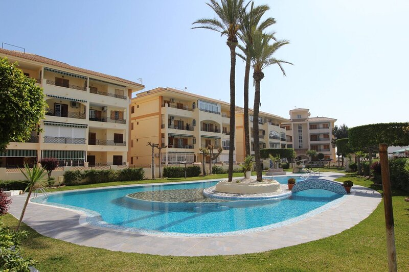 Sunny Studio 400 Metres from La Mata beach, holiday rental in La Mata