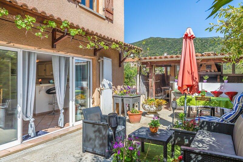 Amazing house with mountain view, location de vacances à Corsavy