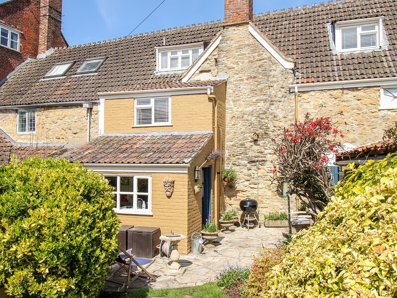 Eastbury Cottage, Sherborne, holiday rental in Barwick