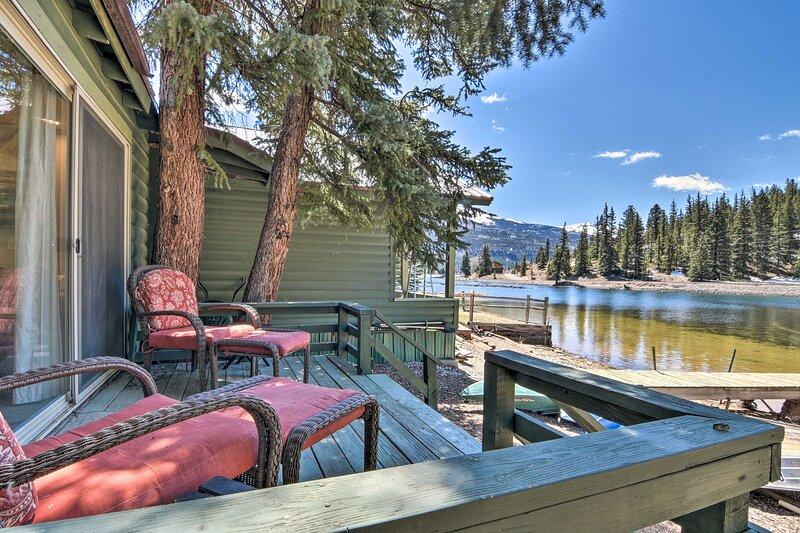 NEW! Peaceful Cabin on Lake San Cristobal w/ Canoe, holiday rental in Lake City
