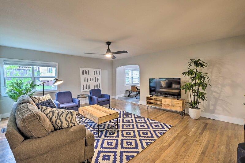 NEW! Updated Fayetteville Home < 2 Miles to UArk!, location de vacances à Johnson