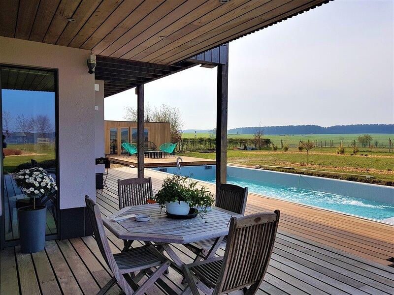 La Chabetaine chambre Aurore région de Bastogne, holiday rental in Flamierge