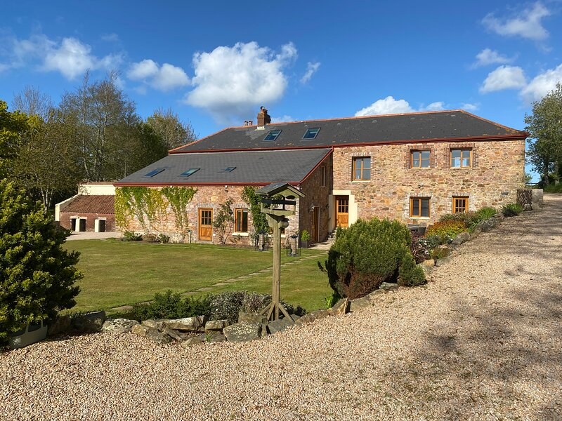 Country Retreat Holiday Home - Tranquility within 10 minutes drive of St Helier, alquiler de vacaciones en Jersey