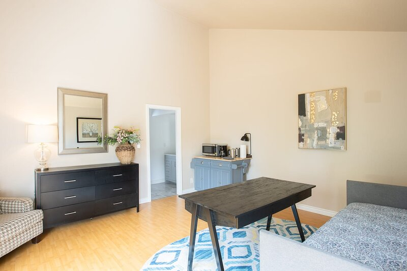 * Marbella Lane - Comfort 1BR | Rowland Heights, holiday rental in Whittier