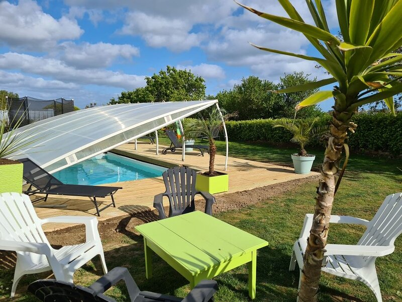 Amazing villa with swimming-pool, holiday rental in Trebabu
