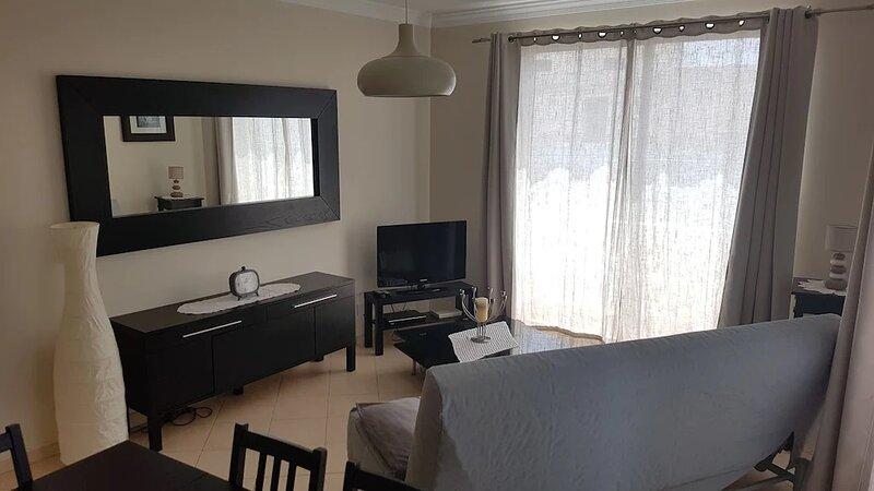 Appartement pour 6 personnes près du centre ville, holiday rental in Pechao
