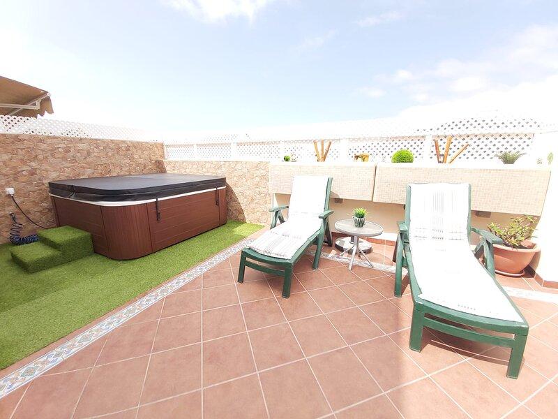 Espacioso Apartamento con Jacuzzi y Acceso a la Piscina, location de vacances à Puerto Rico